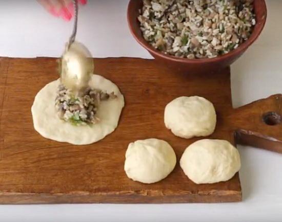 Тесто как пух на кефире для пирогов в духовке