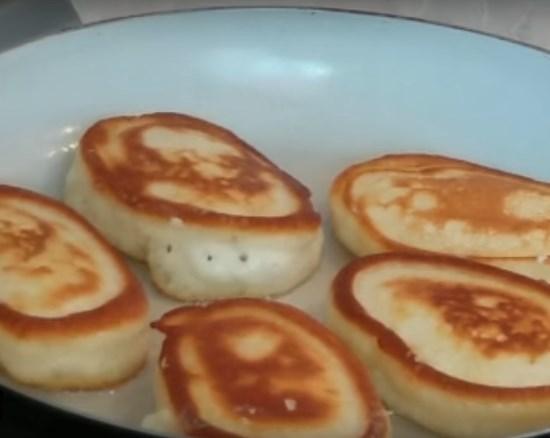 Тесто на оладьи на молоке